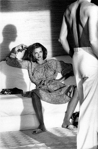 """""""Женщина, смотрящая на мужчину"""", Vogue US © Helmut Newton"""