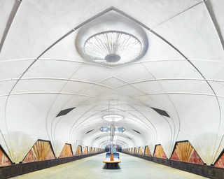 © David Burdeny, станция метро «Маяковская», Москва