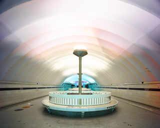 © David Burdeny, станция метро «Новочеркасская», Санкт-Петербург