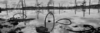 Заброшенное нефтяное поле, Баку. 1999. © Josef Koudelka