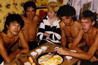 Цой, Курехин, Стингрей, Каспарян & Африка в квартире Саши Липницкого в Москве