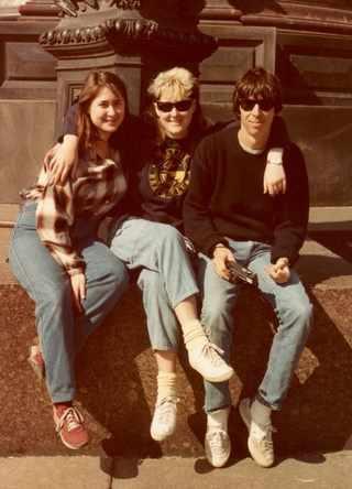 Джуди, Джоанна и Пол Гомберг, 1984