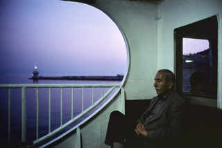 On board a ferry at dusk near the Princess Islands. Istanbul, Turkey.  2001. © Alex Webb Magnum Photos