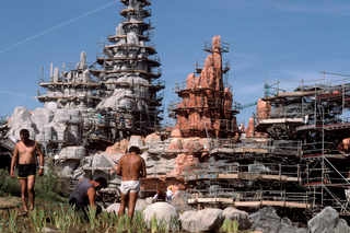 © HG / FRANCE. Ile-de-France. Marne-la-Vallée. Euro Disneyland under construction. 1991.