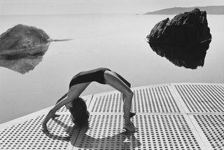 Charlotte Rampling, Vogue, 1976 © Helmut Newton