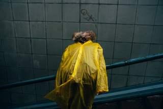 """Из группового проекта """"Adventures of the Yellow raincoat"""". Курс: """"Основы фотографии. Продолжение"""". Преподаватель: Влада Красильникова"""