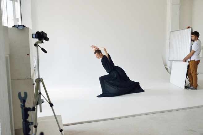 Профессиональная работа фотографа с моделью кривой рог веб модель